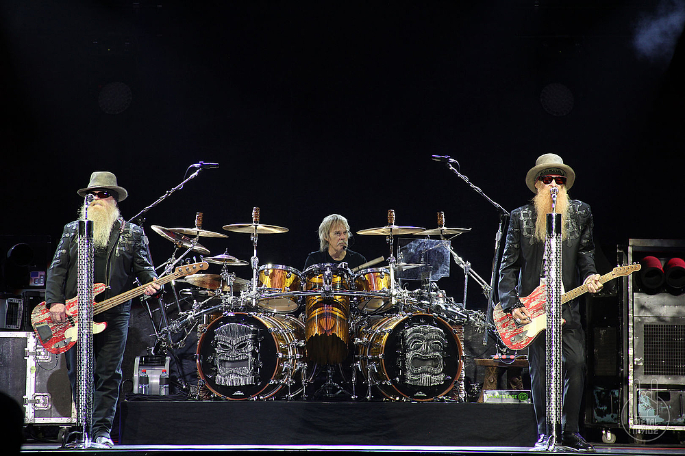 live at sunset 2015 zz top ben miller band metalinside. Black Bedroom Furniture Sets. Home Design Ideas