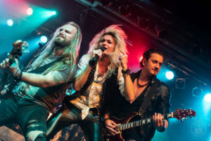 Metalinside.ch - Kissin' Dynamite - Backstage München 2019 - Foto Nicky